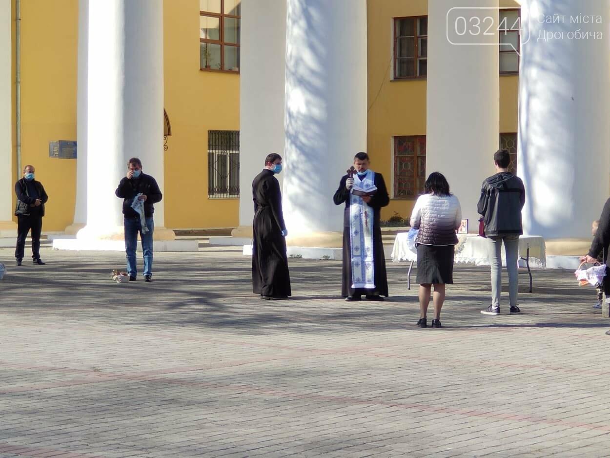 Як у Дрогобичі на вулицях великодні кошики освячували, - ФОТОРЕПОРТАЖ, фото-16
