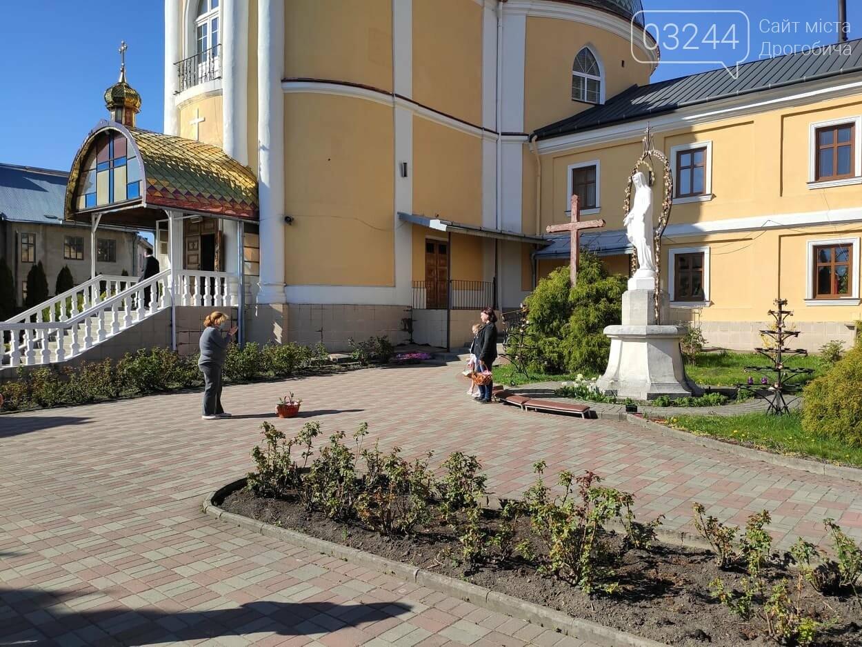Як у Дрогобичі на вулицях великодні кошики освячували, - ФОТОРЕПОРТАЖ, фото-10