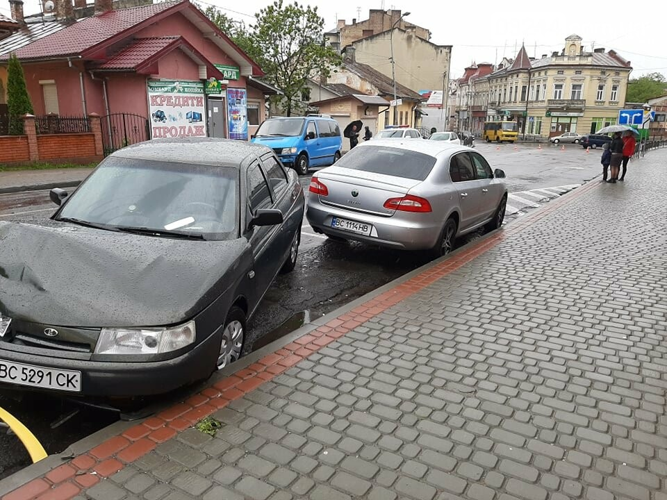 Масштабна ДТП у Дрогобичі на вулиці Стрийській, фото-3
