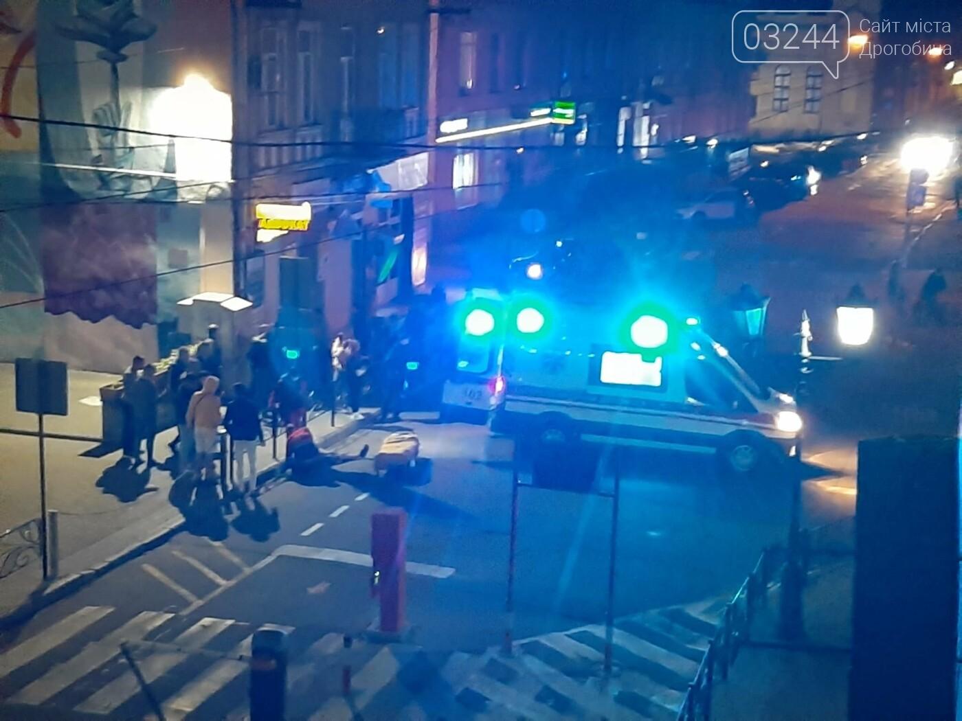 Не розминувся із шлагбаумом - вночі скутерист влетів у паркувальну систему на вулиці Мазепи, фото-3