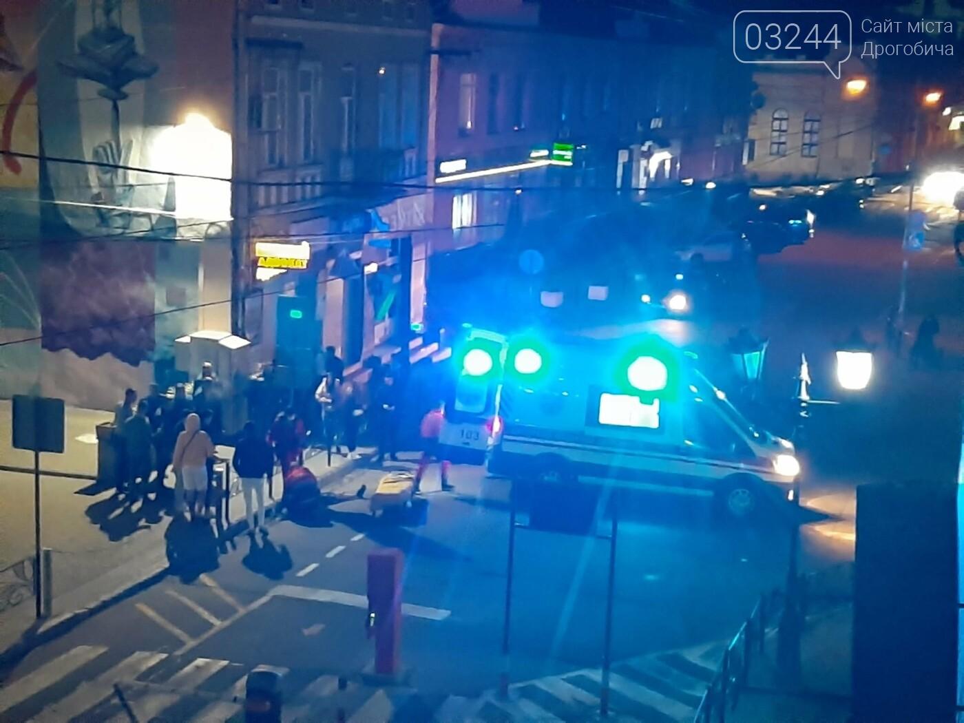 Не розминувся із шлагбаумом - вночі скутерист влетів у паркувальну систему на вулиці Мазепи, фото-2