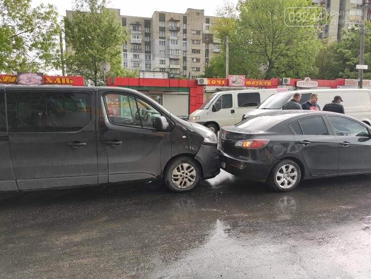 Потрійна ДТП у Дрогобичі, біля автостанції, - ФОТО, фото-4