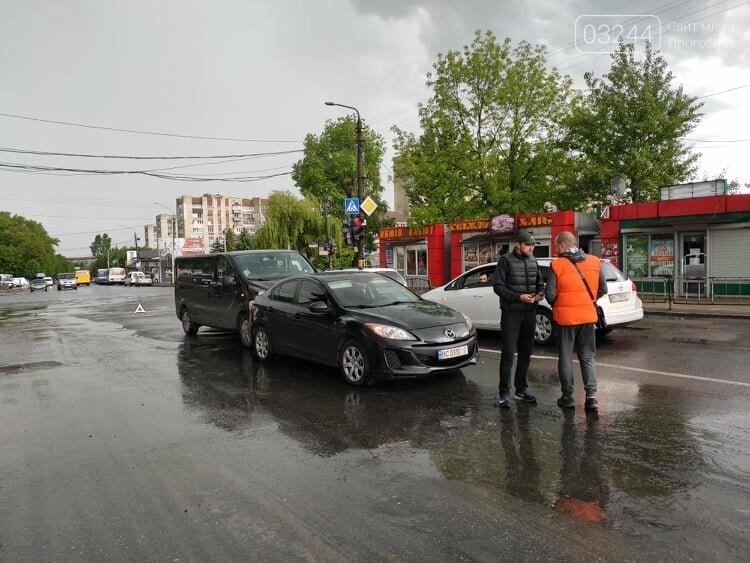 Потрійна ДТП у Дрогобичі, біля автостанції, - ФОТО, фото-3
