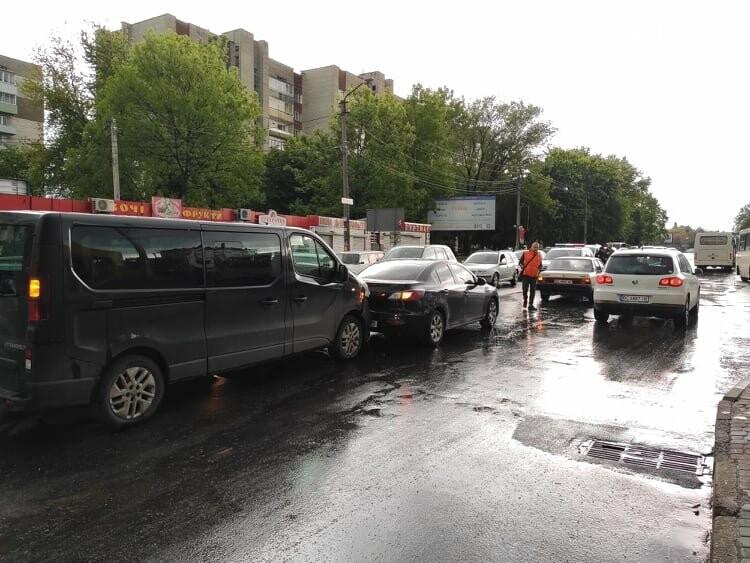 Потрійна ДТП у Дрогобичі, біля автостанції, - ФОТО, фото-2