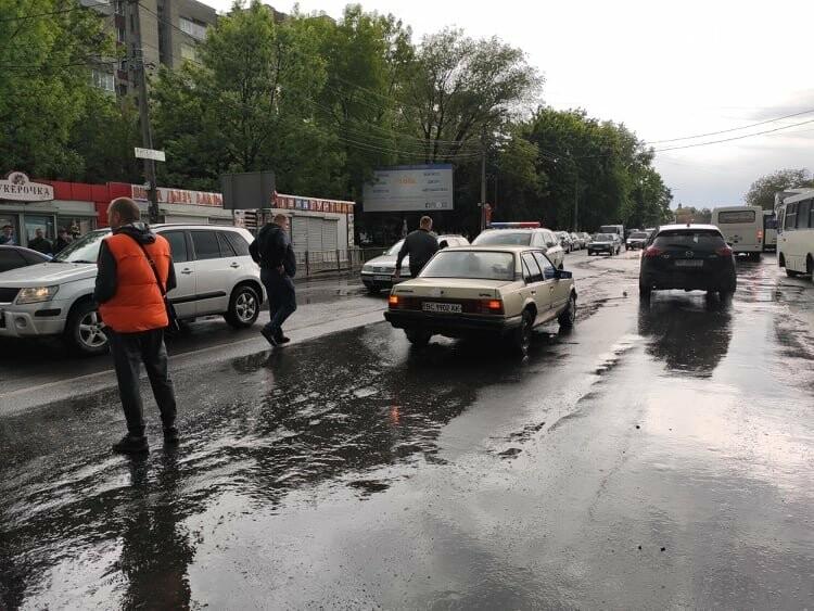 Потрійна ДТП у Дрогобичі, біля автостанції, - ФОТО, фото-7