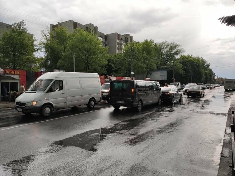 Потрійна ДТП у Дрогобичі, біля автостанції, - ФОТО, фото-1