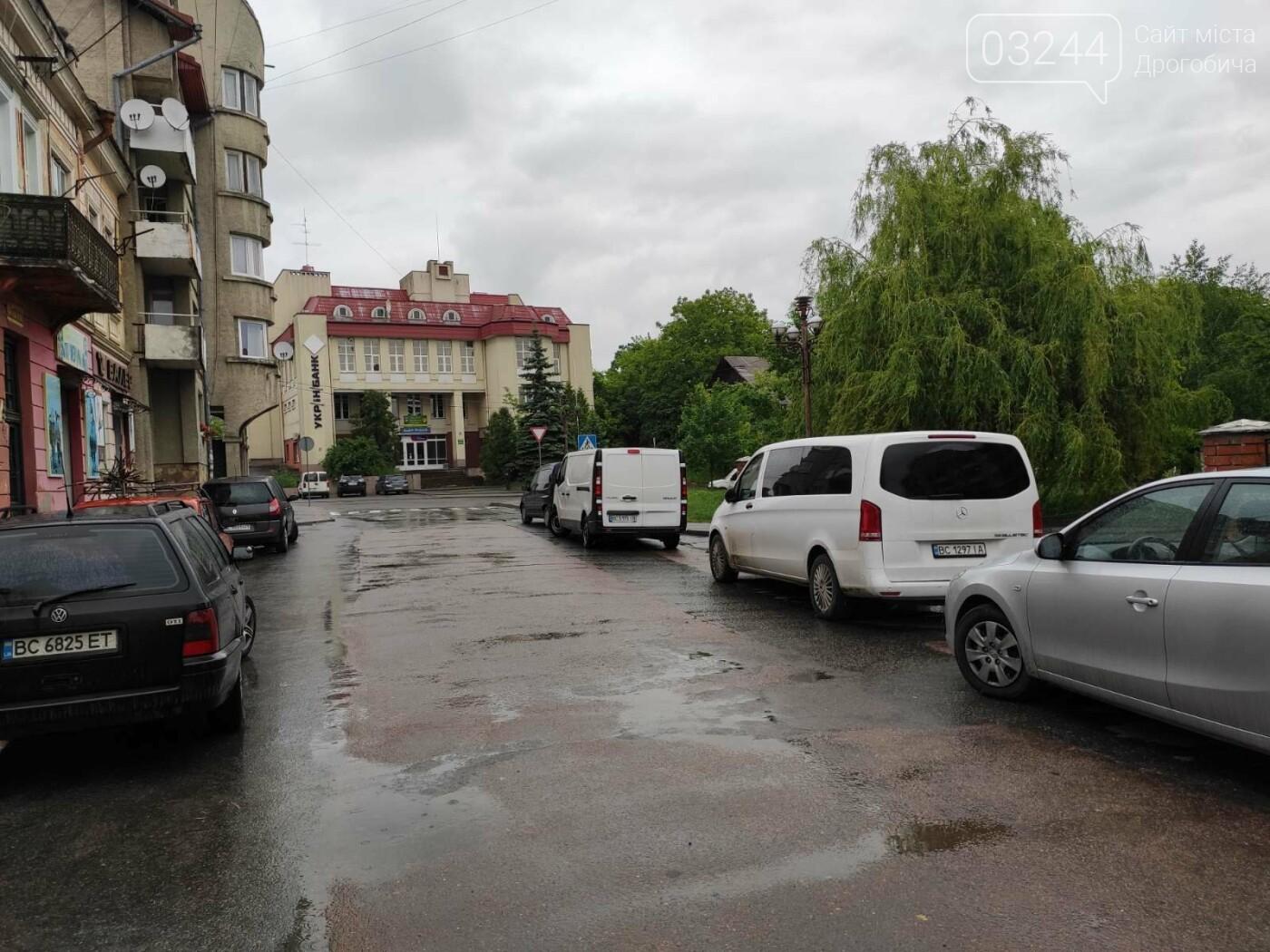 Після запуску платної системи паркування у центрі міста суттєво поменшало машин, - ФОТОРЕПОРТАЖ, фото-20
