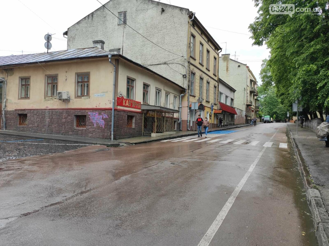 Після запуску платної системи паркування у центрі міста суттєво поменшало машин, - ФОТОРЕПОРТАЖ, фото-15