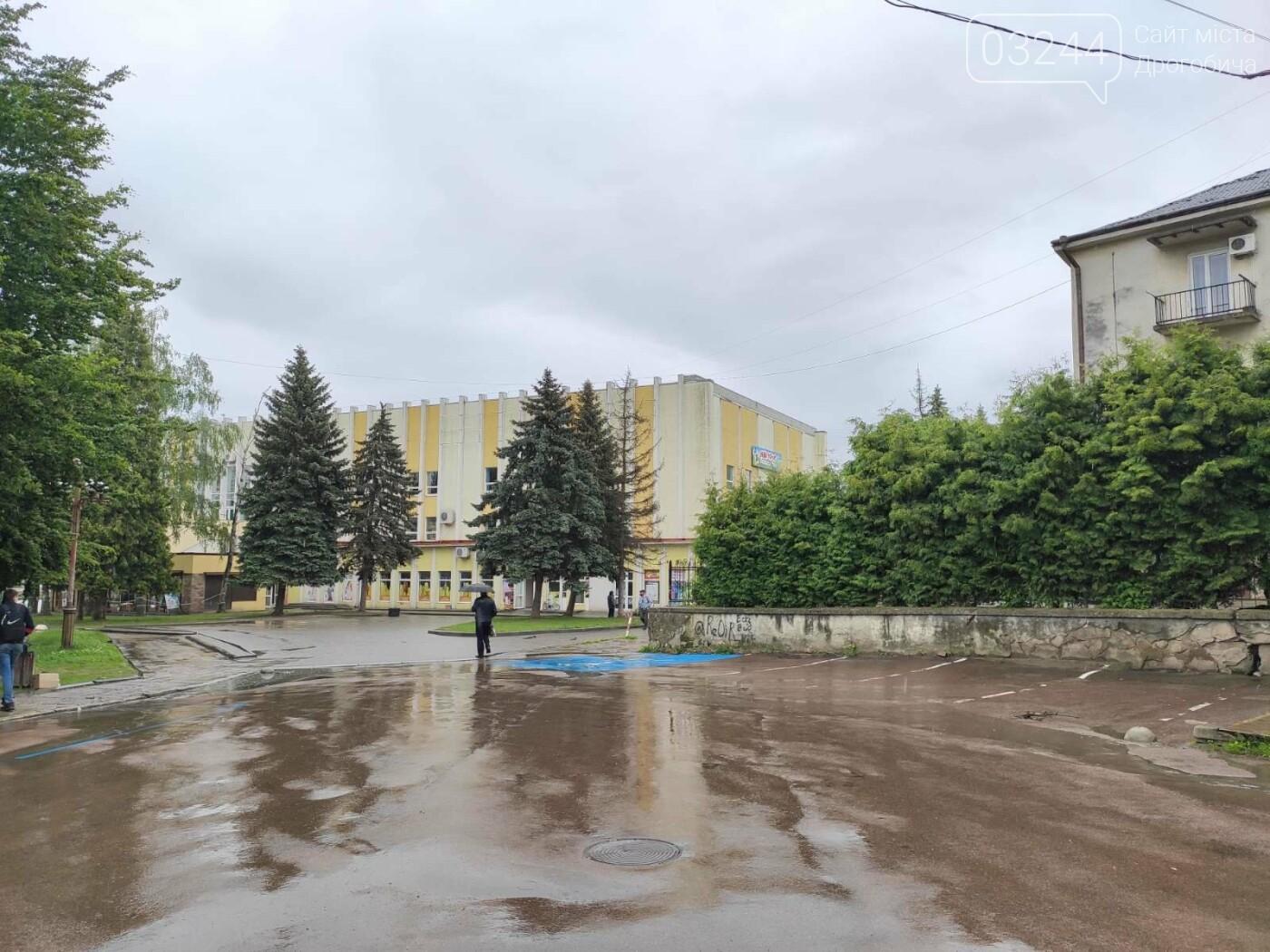 Після запуску платної системи паркування у центрі міста суттєво поменшало машин, - ФОТОРЕПОРТАЖ, фото-17