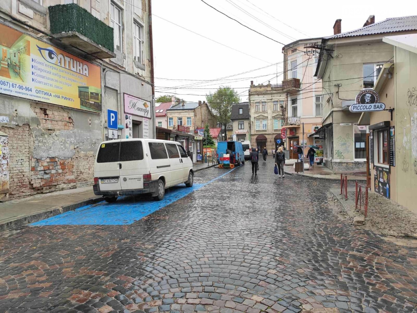 Після запуску платної системи паркування у центрі міста суттєво поменшало машин, - ФОТОРЕПОРТАЖ, фото-6