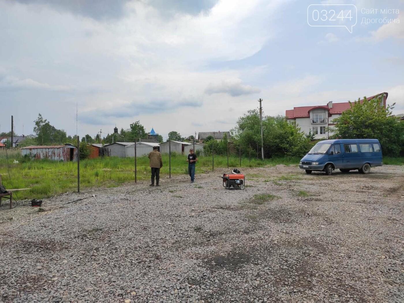 На Солоному Ставку облаштовують безкоштовну парковку. У планах комунальників – встановити платні  паркомати на 3 прилеглих вулицях до центру, фото-3