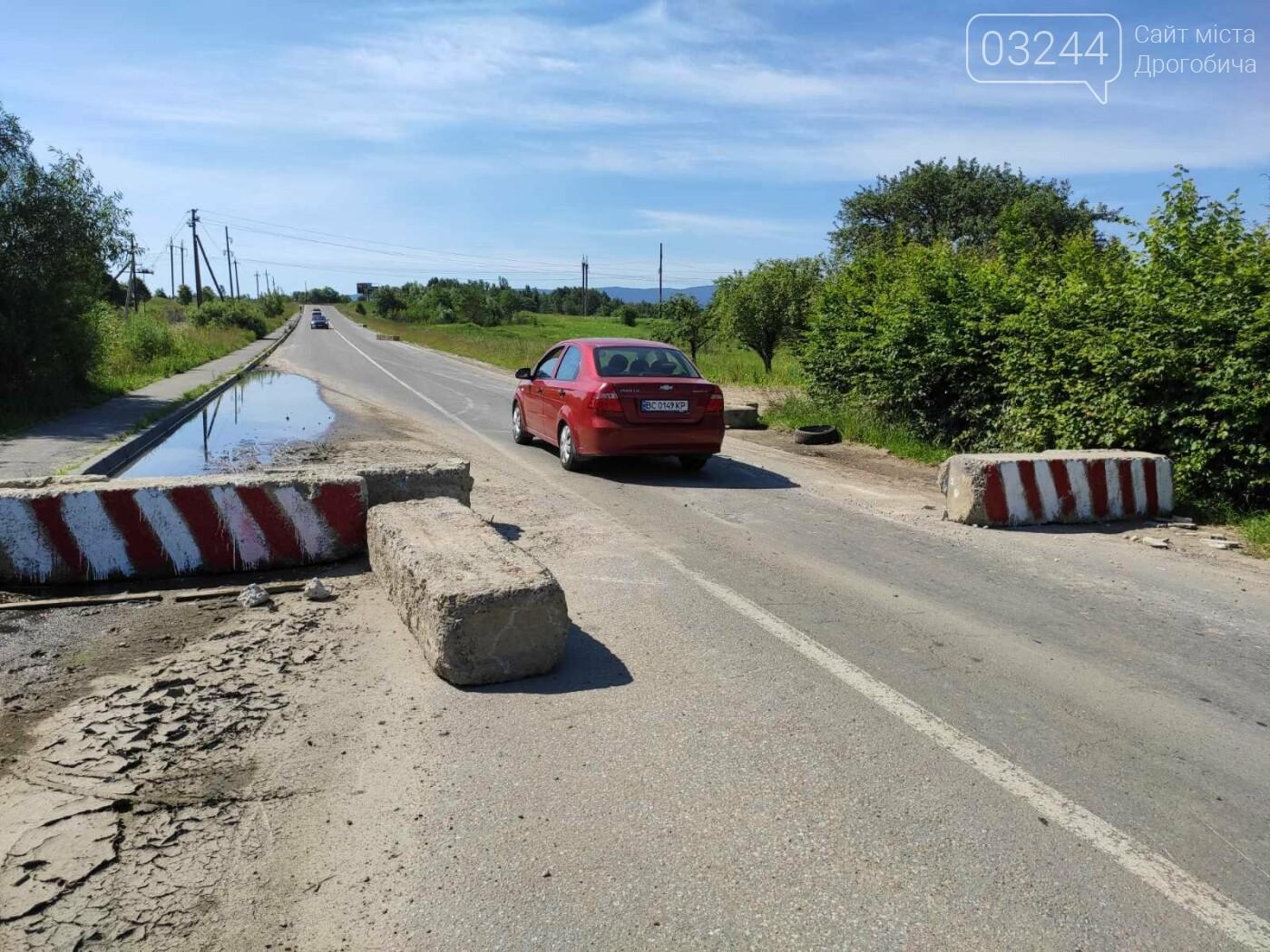 Дорогу на Трускавець вчергове відкрили: вночі відсунули бетонні блоки, - ФОТО, фото-9