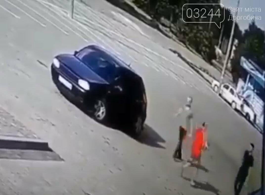 4-річна дівчинка, яку переїхав автомобіль на Стрийській, не отримала жодного перелому, фото-1