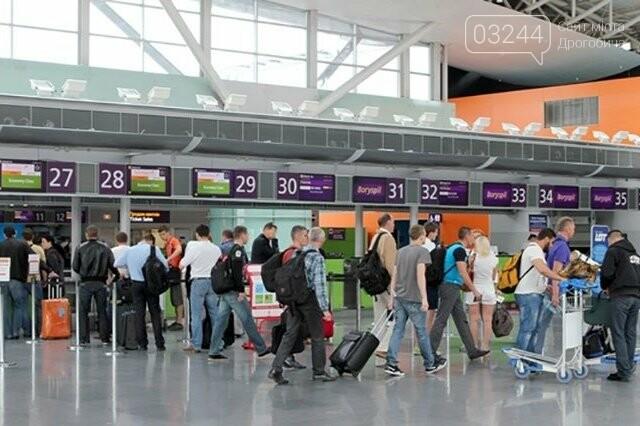 Від сьогодні іноземців пускатимуть в Україну: заборона на в'їзд втратила чинність, фото-1