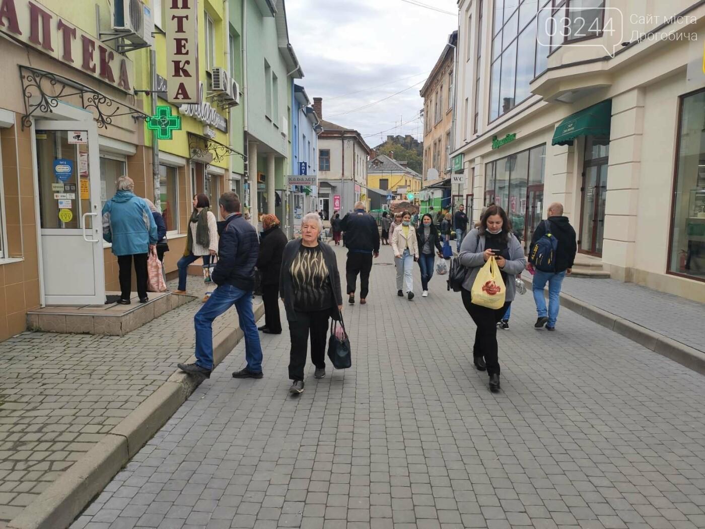 У Дрогобичі зрушення - стихійні торговці із Ковальської перейшли на новооблаштований ринок, - ФОТОРЕПОРТАЖ, фото-11