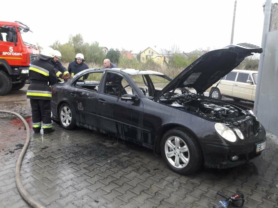 У Дрогобичі спалили автівку кандидата на голову Дрогобицької ОТГ, фото-1