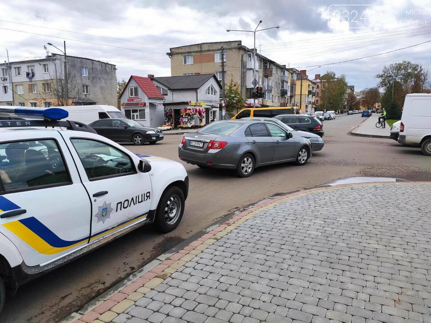 ДТП у Дрогобичі, на вулиці Грушевського, - ФОТО, фото-5