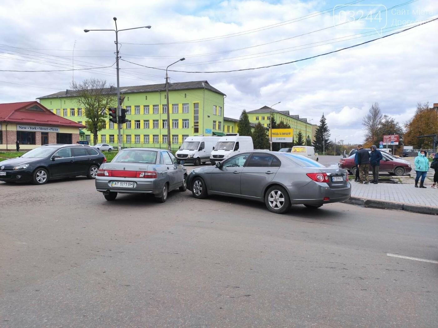 ДТП у Дрогобичі, на вулиці Грушевського, - ФОТО, фото-4