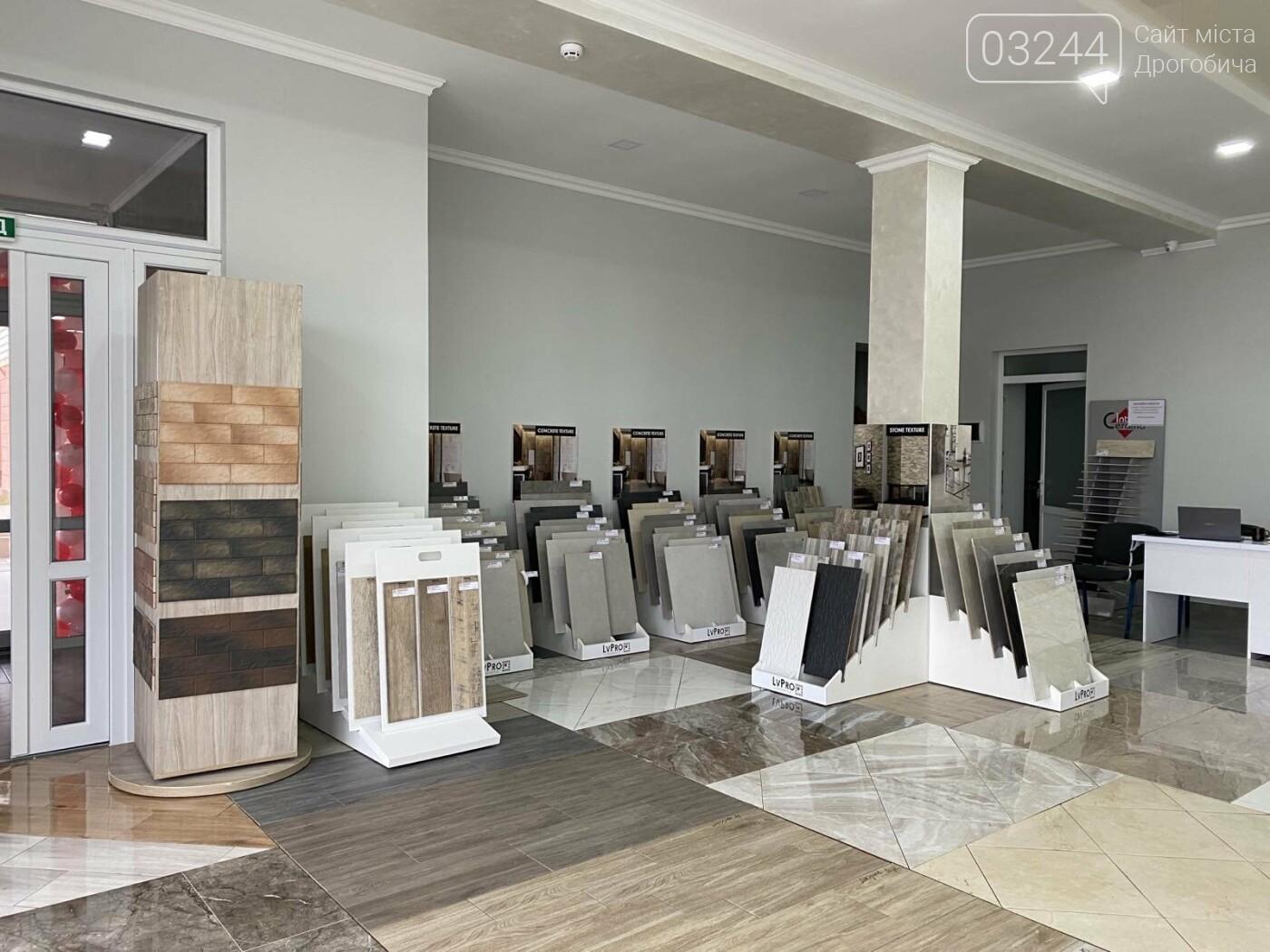 У Дрогобичі відкрилося нове представництво мережі магазинів плитки і сантехніки «ПЛИТОЧКА», фото-3