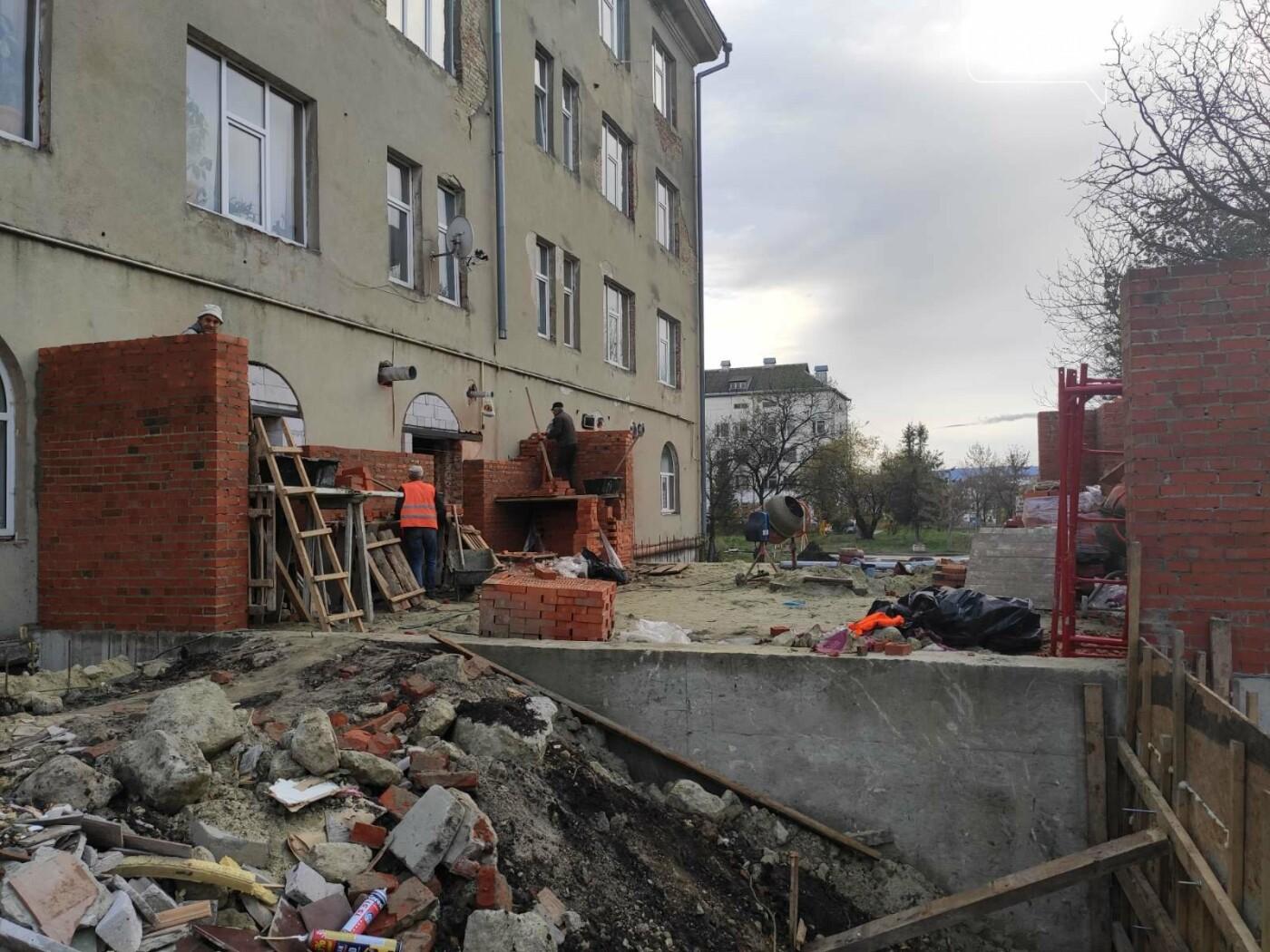 Дрогобицька міська лікарня №1 оновлює  приймальне відділення  – стартував капремонт приміщення  , фото-8