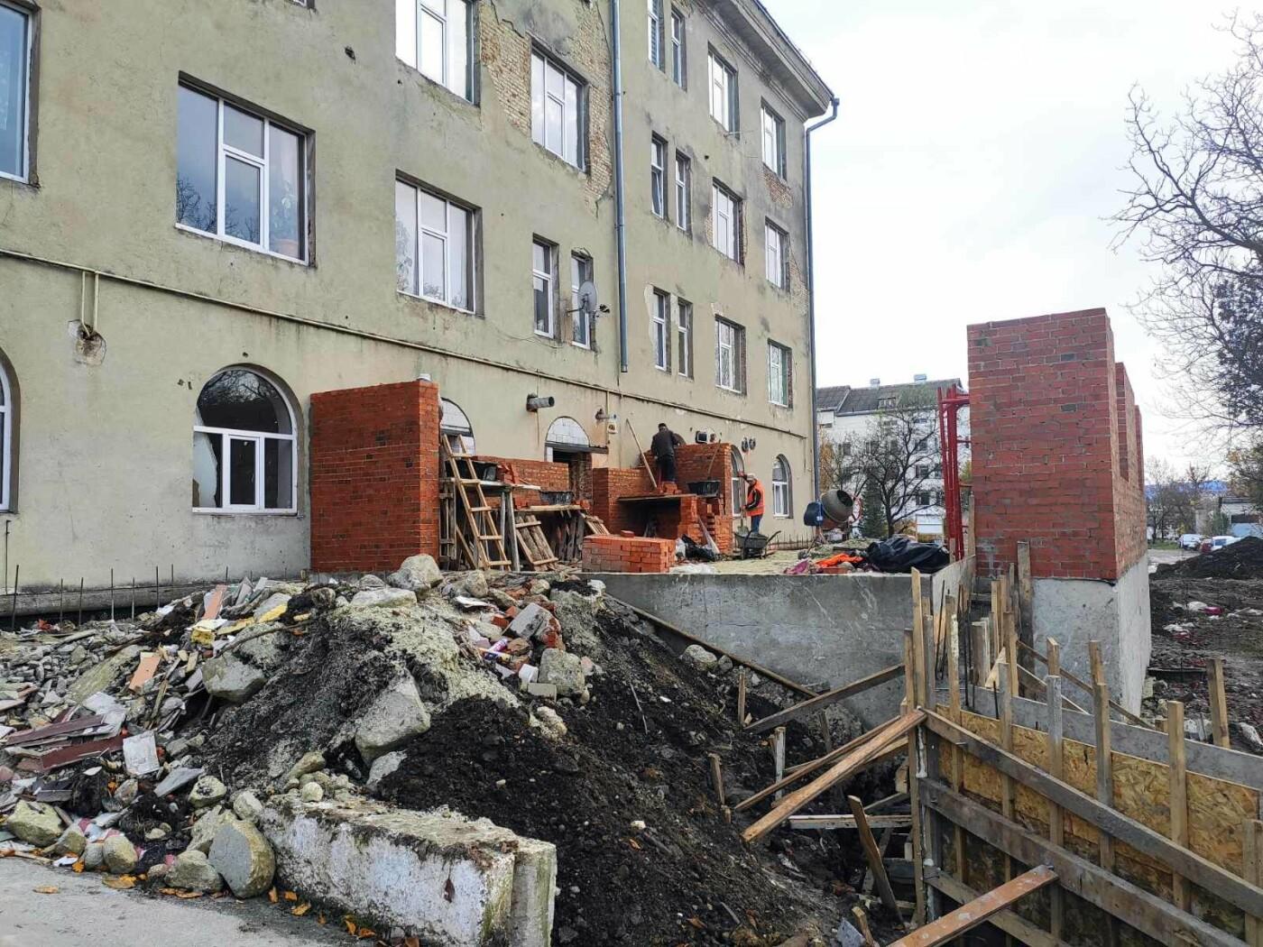 Дрогобицька міська лікарня №1 оновлює  приймальне відділення  – стартував капремонт приміщення  , фото-7