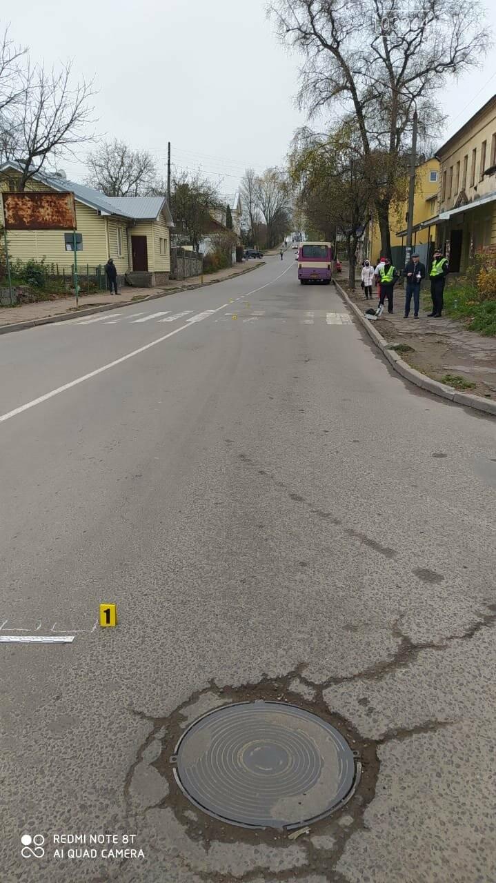 В останнє переходила дорогу – у Дрогобичі водій автобуса збив дев'ятикласницю, фото-8