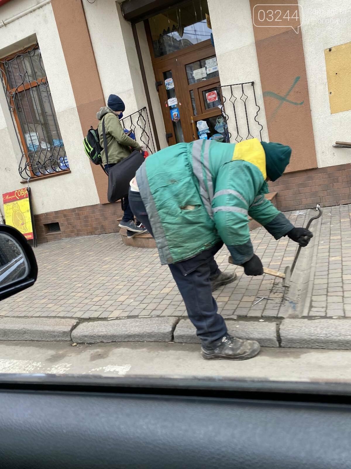 В останнє переходила дорогу – у Дрогобичі водій автобуса збив дев'ятикласницю, фото-11