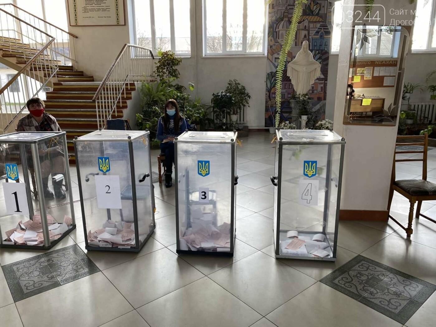 Соціологічна група «Рейтинг» вдруге у Дрогобичі проводить екзит-пол на виборах, - ФОТО, фото-40