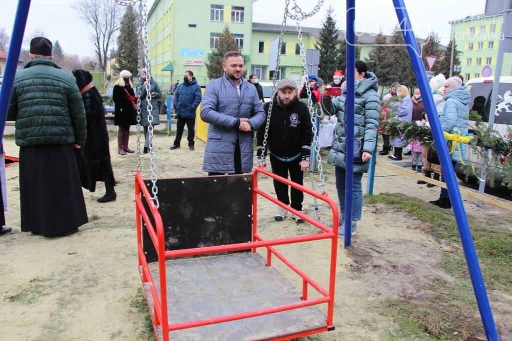 У Дрогобичі відкрили інклюзивний дитячий майданчик для особливих діток, фото-6