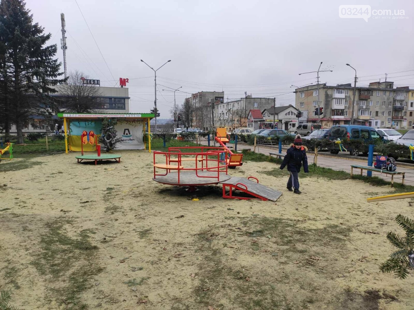 У Дрогобичі відкрили інклюзивний дитячий майданчик для особливих діток, фото-10