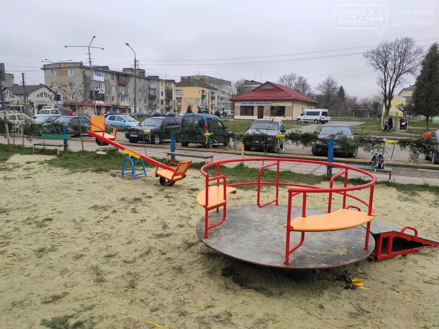 У Дрогобичі відкрили інклюзивний дитячий майданчик для особливих діток, фото-7