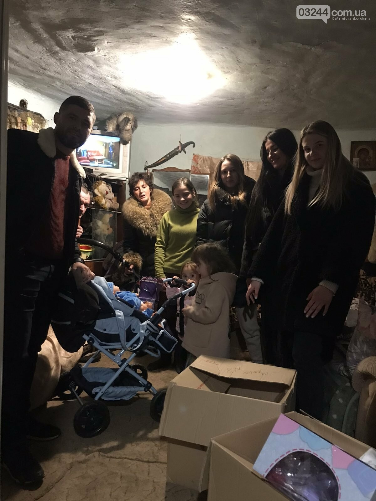 «Є сім'ї, які потребують не дорогих телефонів, а їжі та одягу», - Катя Максимова про благочинну акцію для потребуючих родин, фото-11