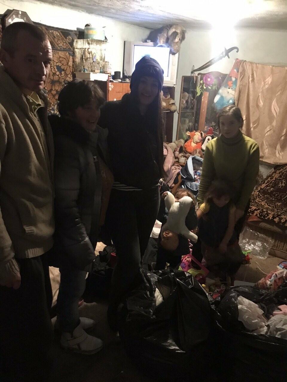 «Є сім'ї, які потребують не дорогих телефонів, а їжі та одягу», - Катя Максимова про благочинну акцію для потребуючих родин, фото-14