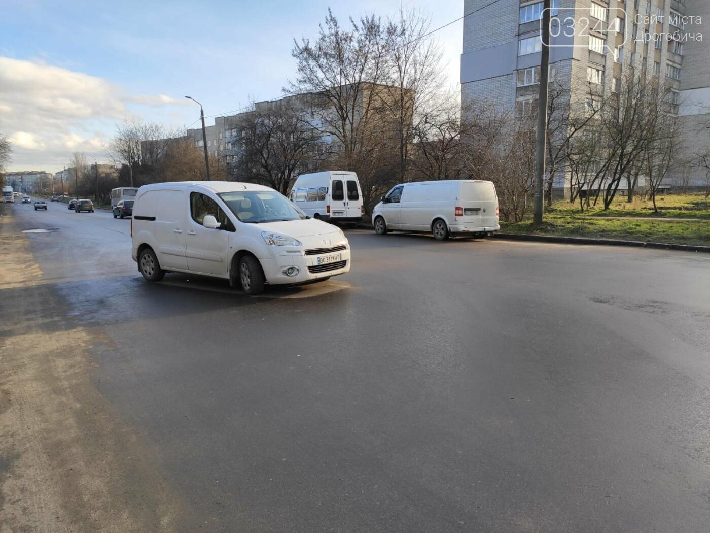 На Володимира Великого не розминулись дві автівки, - ФОТО, фото-4