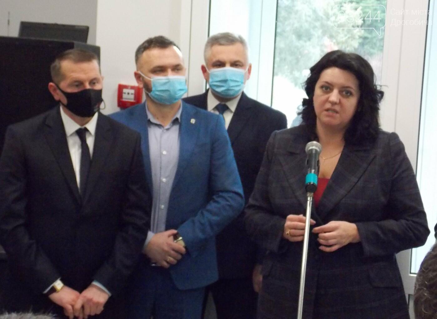 У Дрогобичі відкрили реконструйоване відділення екстреної та невідкладної медичної допомоги, - ФОТОРЕПОРТАЖ, фото-16