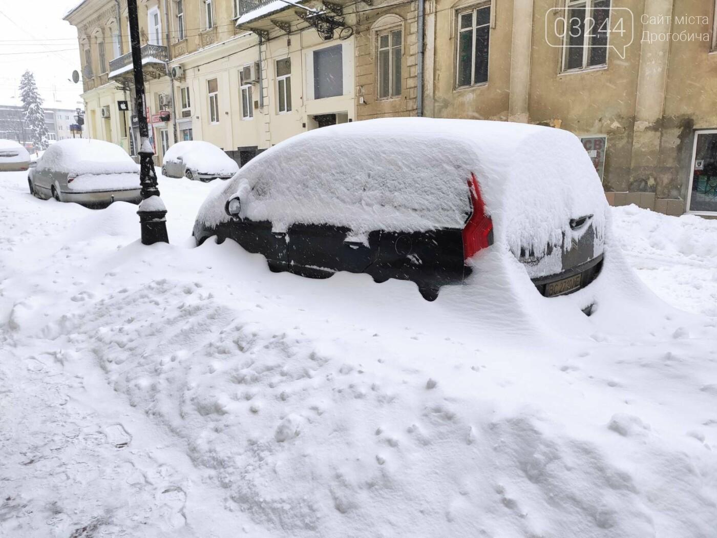 У сніговій пастці – негода випробовує Дрогобиччину. Не всім сьогодні вдалося потрапити на роботу та до школи, фото-2