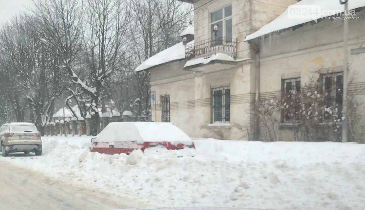 Притрусило: негода перетворила автівки, які не виїжджали кілька днів, на снігові кургани, - ФОТОРЕПОРТАЖ, фото-7