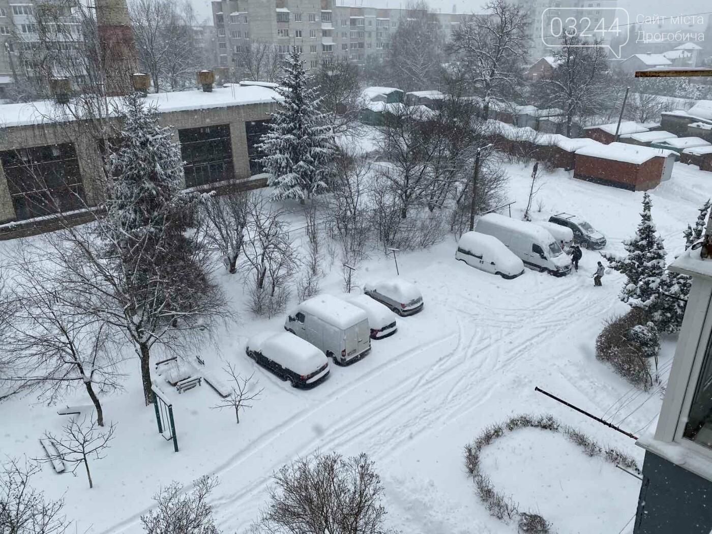 Притрусило: негода перетворила автівки, які не виїжджали кілька днів, на снігові кургани, - ФОТОРЕПОРТАЖ, фото-10