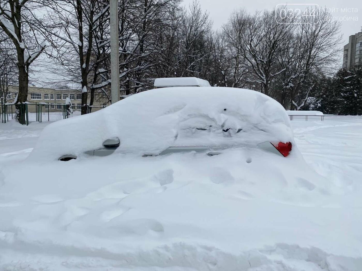 Притрусило: негода перетворила автівки, які не виїжджали кілька днів, на снігові кургани, - ФОТОРЕПОРТАЖ, фото-4