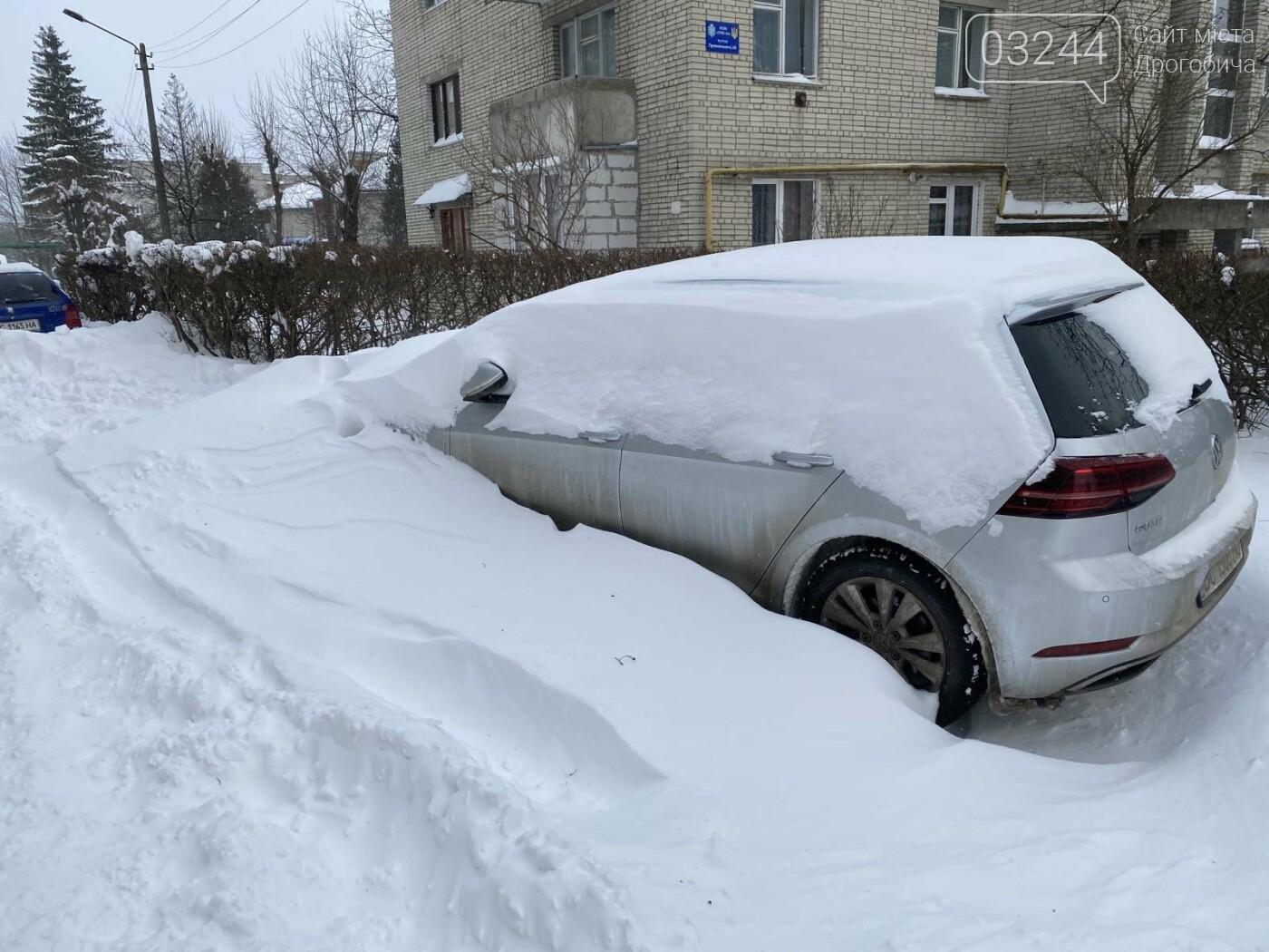 Притрусило: негода перетворила автівки, які не виїжджали кілька днів, на снігові кургани, - ФОТОРЕПОРТАЖ, фото-5