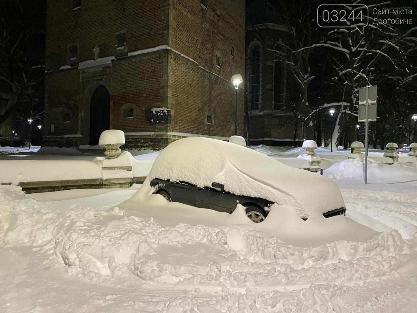 Притрусило: негода перетворила автівки, які не виїжджали кілька днів, на снігові кургани, - ФОТОРЕПОРТАЖ, фото-14