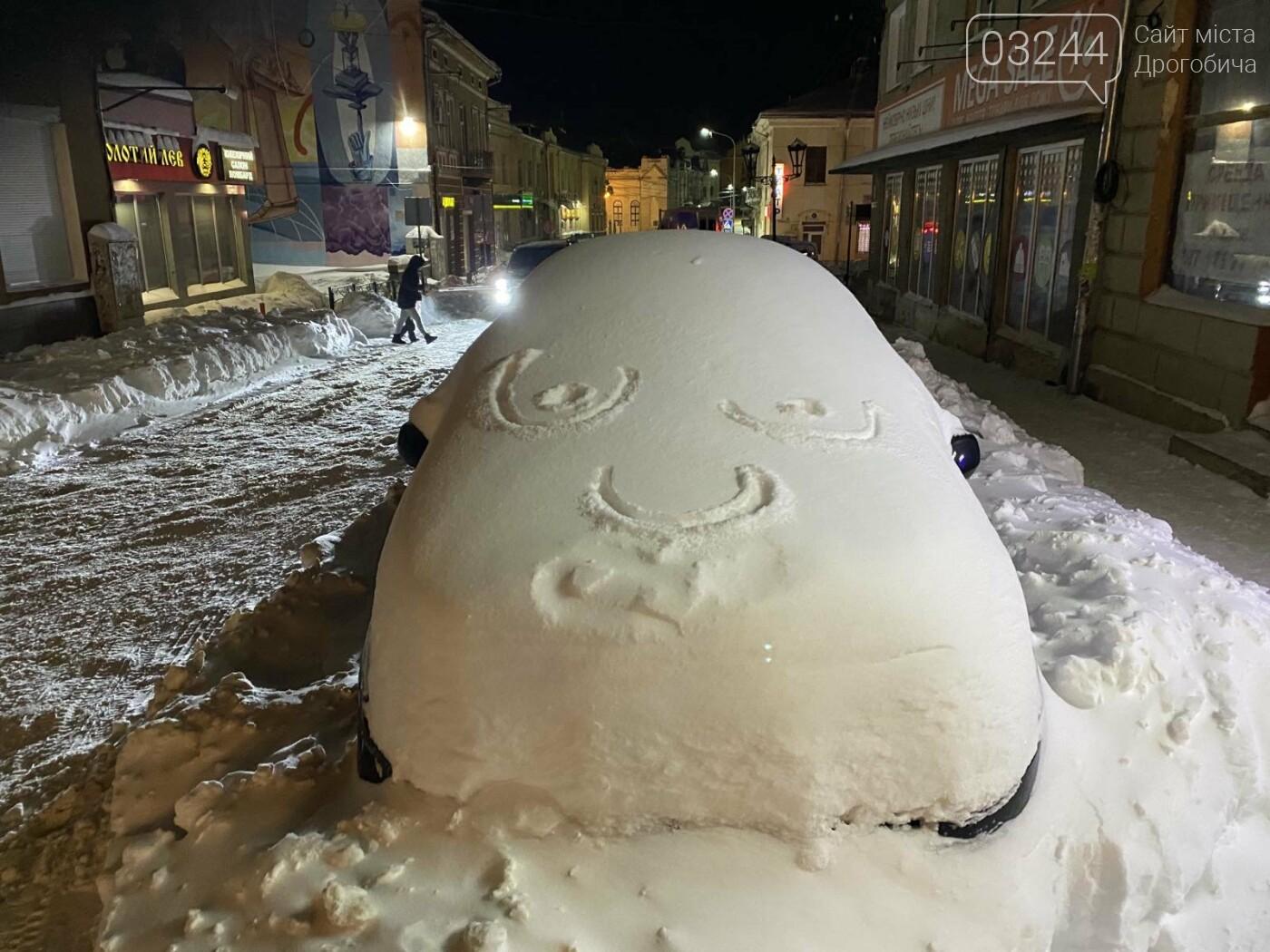 Притрусило: негода перетворила автівки, які не виїжджали кілька днів, на снігові кургани, - ФОТОРЕПОРТАЖ, фото-11