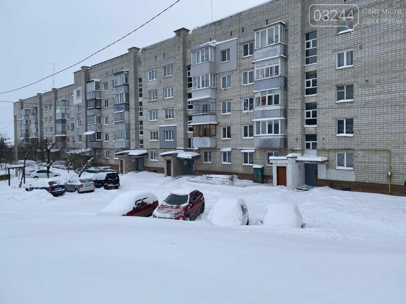 Притрусило: негода перетворила автівки, які не виїжджали кілька днів, на снігові кургани, - ФОТОРЕПОРТАЖ, фото-9