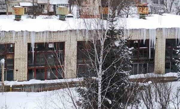 Обережно: з дахів звисають величезні бурульки, - ФОТО, фото-8