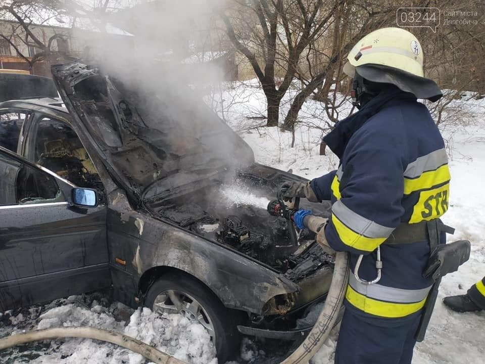 """У Дрогобичі згорів автомобіль """"BMW"""", фото-2"""