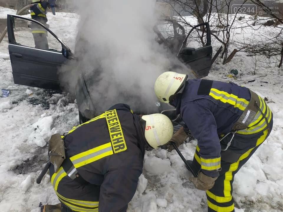 """У Дрогобичі згорів автомобіль """"BMW"""", фото-1"""