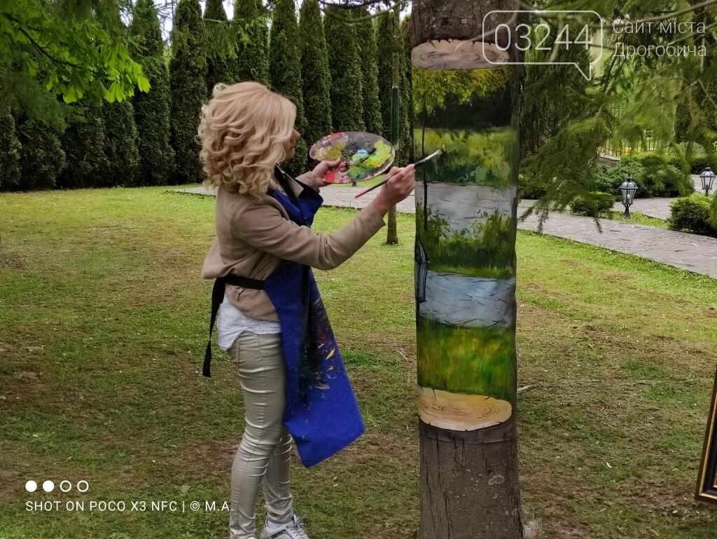 """Художниця Наталія Поліщук презентувала у Східниці незвичний арт-проєкт """"Сад висячих дерев"""", фото-1"""