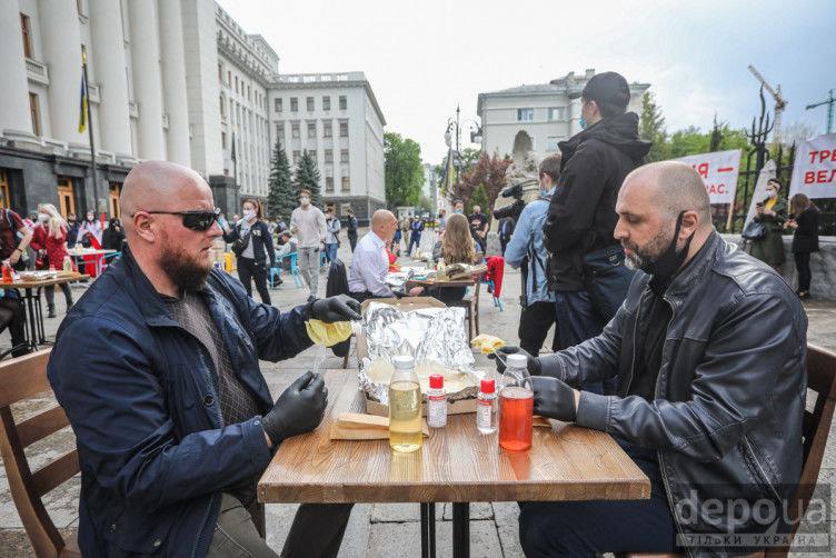 """Під Офісом президента ресторатори влаштували протест-перформанс проти """"велюрового карантину"""", - ФОТО, фото-3"""